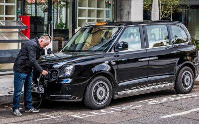 Nu blir Londons taxibilar eldrivna