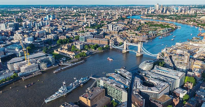 Flyga helikopter - helikoptertur i London